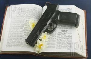 Bible-Gun-1263002